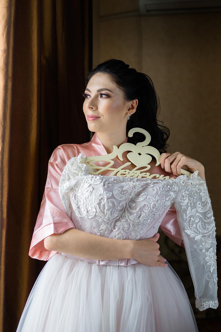 Свадебный Фотограф Запорожье Маша Рихтер платье окно свет