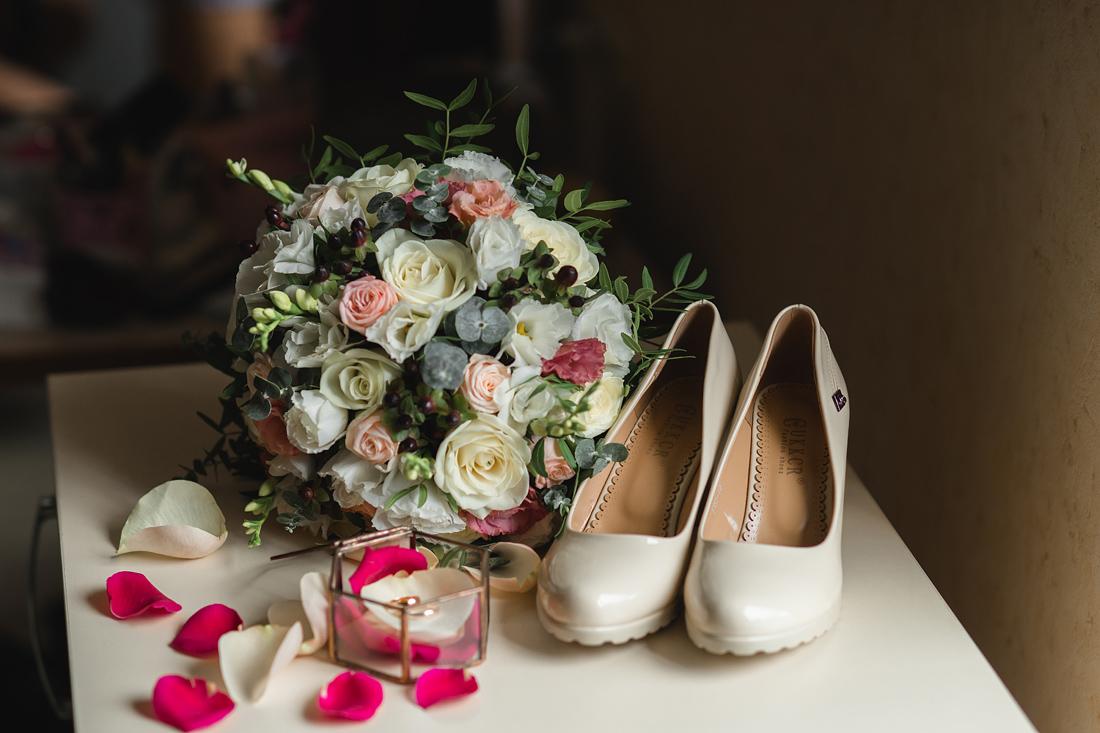 Свадебный Фотограф Запорожье Маша Рихтер свадебный букет туфли