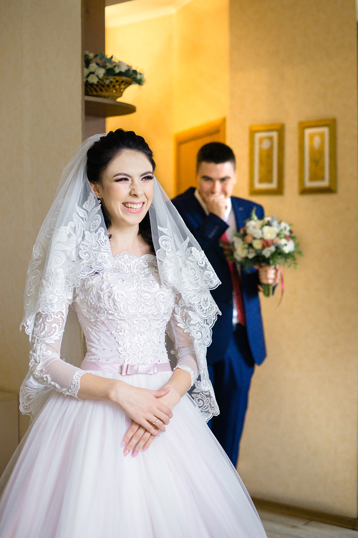 Свадебный Фотограф Запорожье Маша Рихтер встреча невесты и жениха