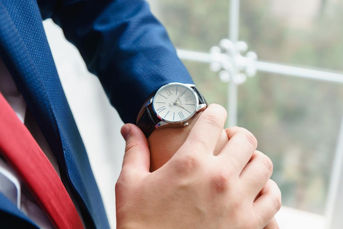 Свадебный Фотограф Запорожье Маша Рихтер часы мужчина крупный план