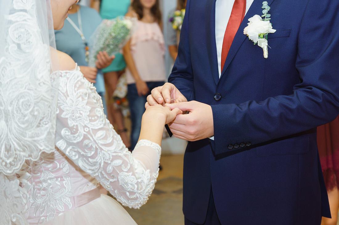 Свадебный Фотограф Запорожье Маша Рихтер кольцо на пальце