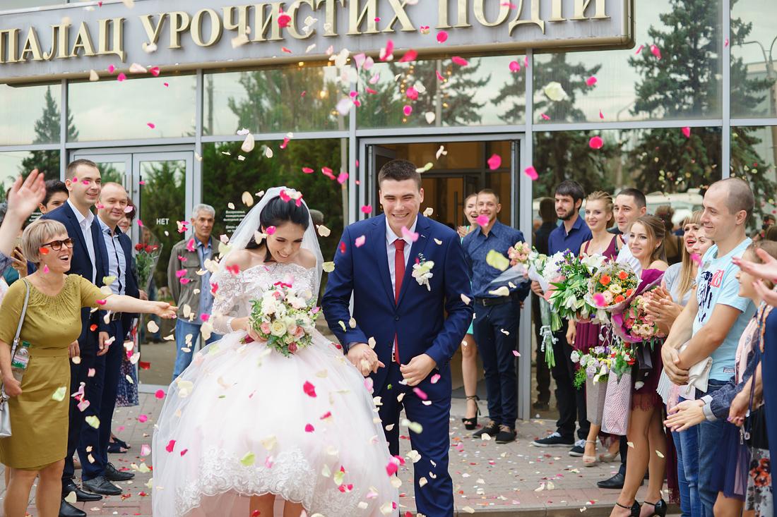 Лепестки роз Свадебный Фотограф Запорожье Маша Рихтер