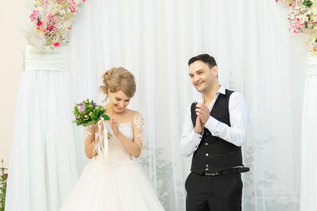 Фотограф Запорожье Маша Рихтер жених и невеста аплодируют
